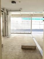 ガレージ×階段×スケルトンバス